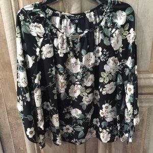 New With Tags Black & Ivory Color Blouse—Size PXL